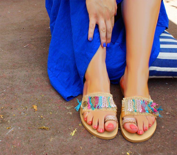 Χειροποίητα σανδάλια, δερμάτινα γυναικεία σανδάλια, ίσια σανδάλια, καλοκαιρινά πολύχρωμα σανδάλια, boho chic σανδάλια Μάταλα Κρήτη