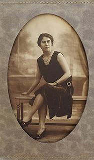 Άννα, η κοσμοπολίτισσα κομψή γυναίκα από τη Σαντορίνη, Αλεξάνδρεια-Σαντορίνη, ιστορίες από τη Σαντορίνη