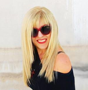 Ελληνίδα fashion designer Άννα Μαρία από Σαντορίνη, σχεδιάστρια αξεσουάρ μόδας στο Greek Fashion Box